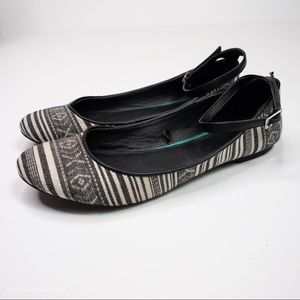 White and Black Textile Flats With Ankle Strap